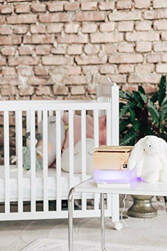 ZirbenLüfter CUBE mini pure, natürlicher Luftbefeuchter / Luftreiniger aus Zirbe / Zirbenholz. - Räume bis 15 m2. (Abdeckung Holz - Zirbe mit Blume des Lebens) -
