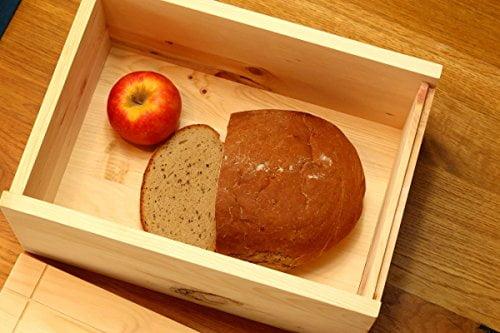 Brot und Apfel